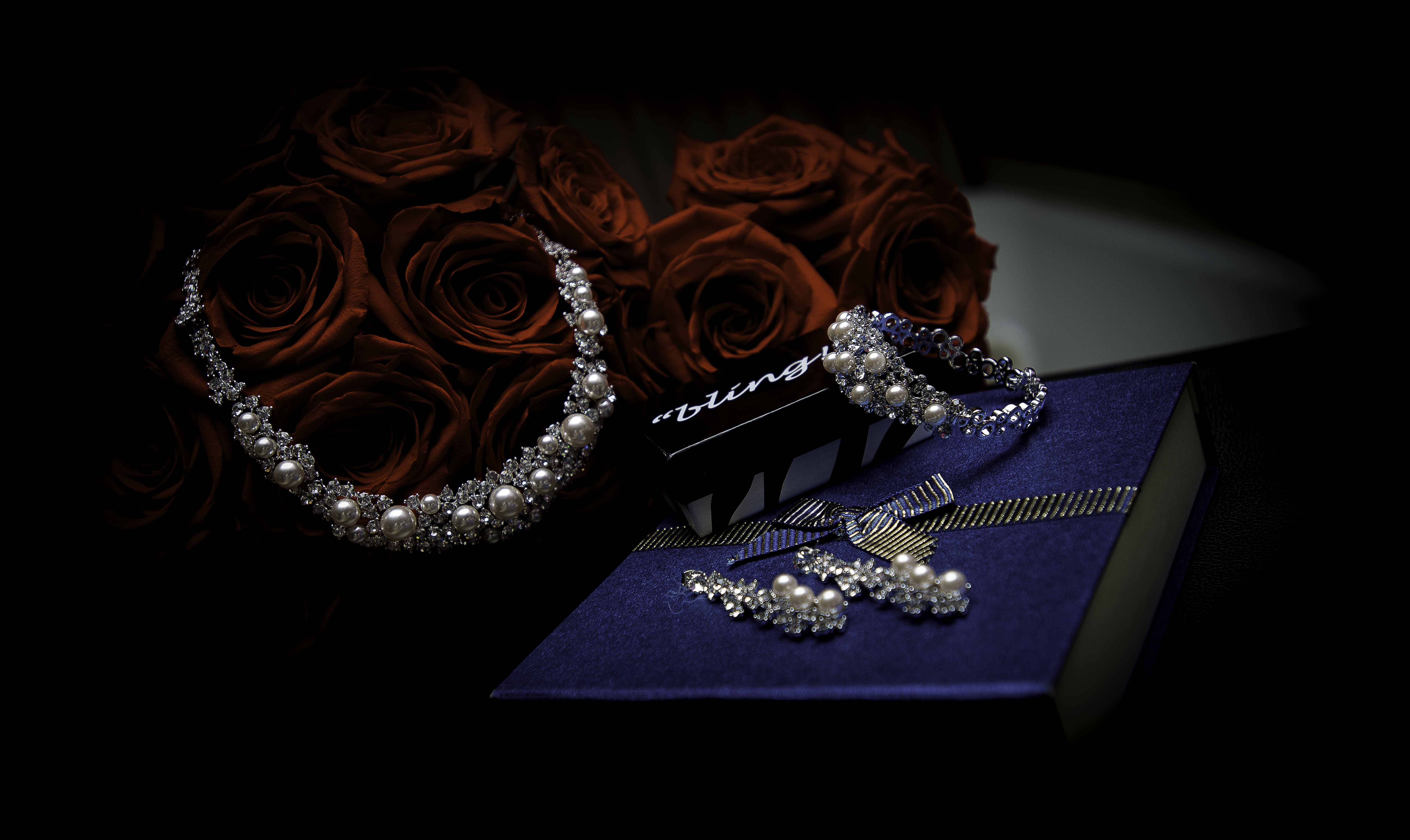 necklace Wedding Photography